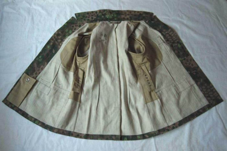 WW2 German 44 Dot Tunic - Click Image to Close